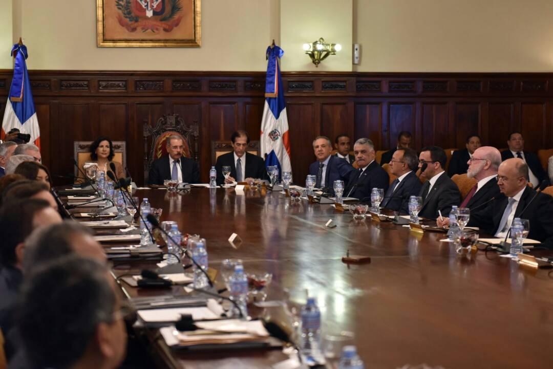 17 milliards de dollars, le budget de la République Dominicaine est 8 fois plus que celui d'Haïti 29