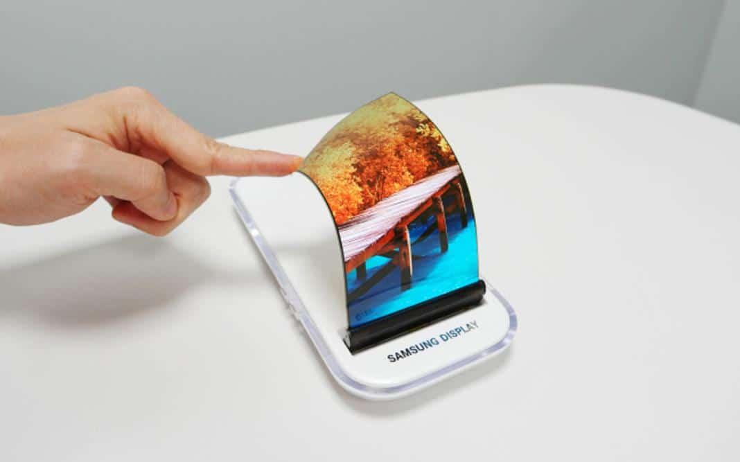 Le smartphone pliable Samsung Galaxy X confirmé ? 26