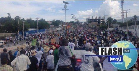 [FLASH] Manifestation en cours à Port-au-Prince (Delmas). 26