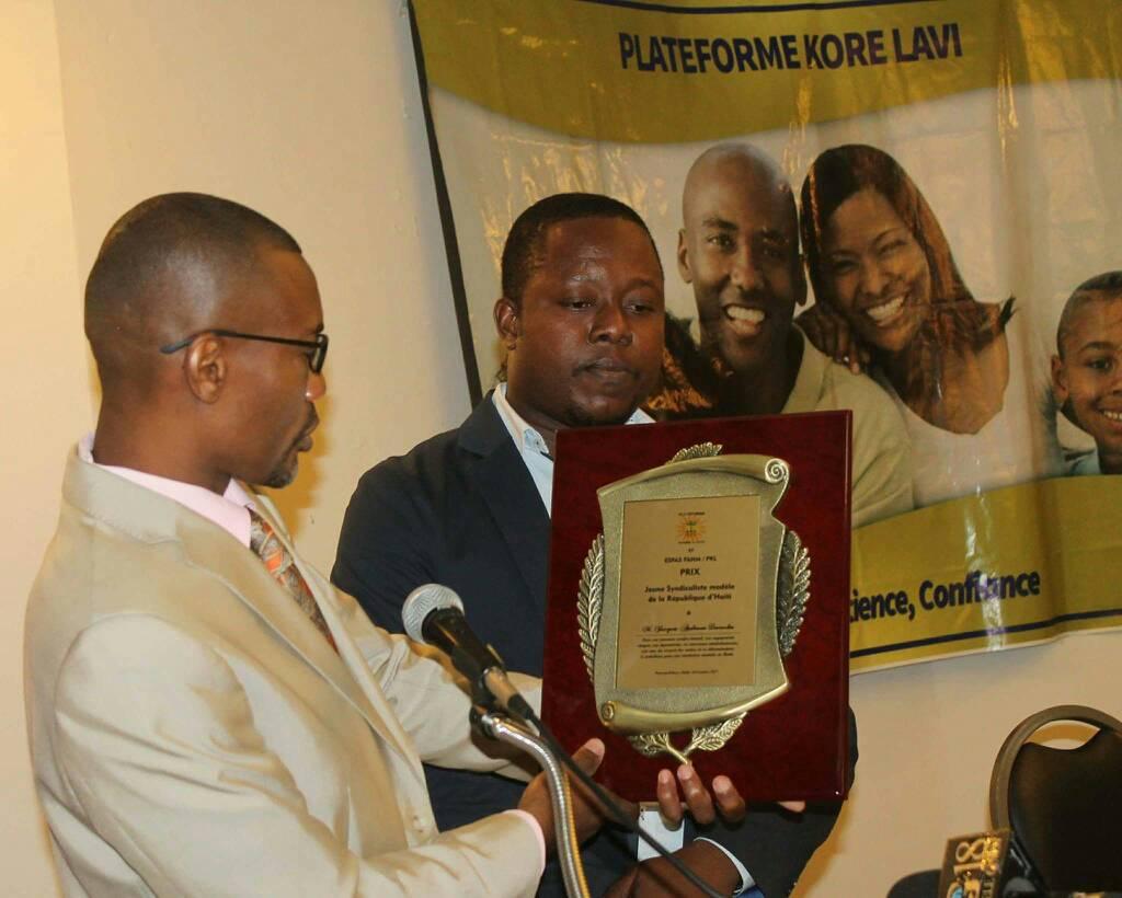 """Haïti-Santé: La Plateforme """"Kore Lavi"""" célèbre la journée mondiale de la santé mentale. 28"""