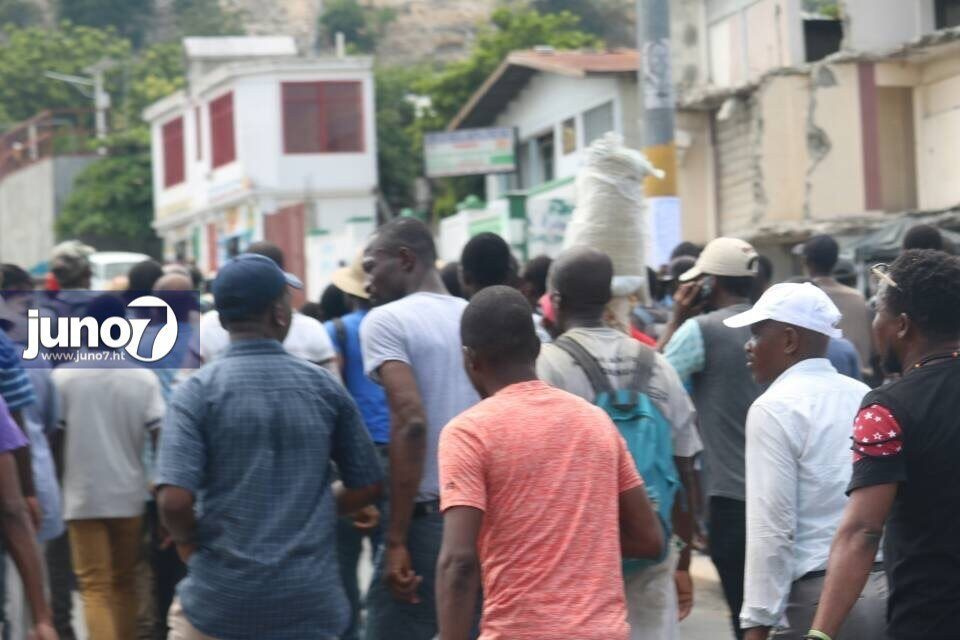 [FLASH] Manifestations en cours à Port-au-Prince. 26