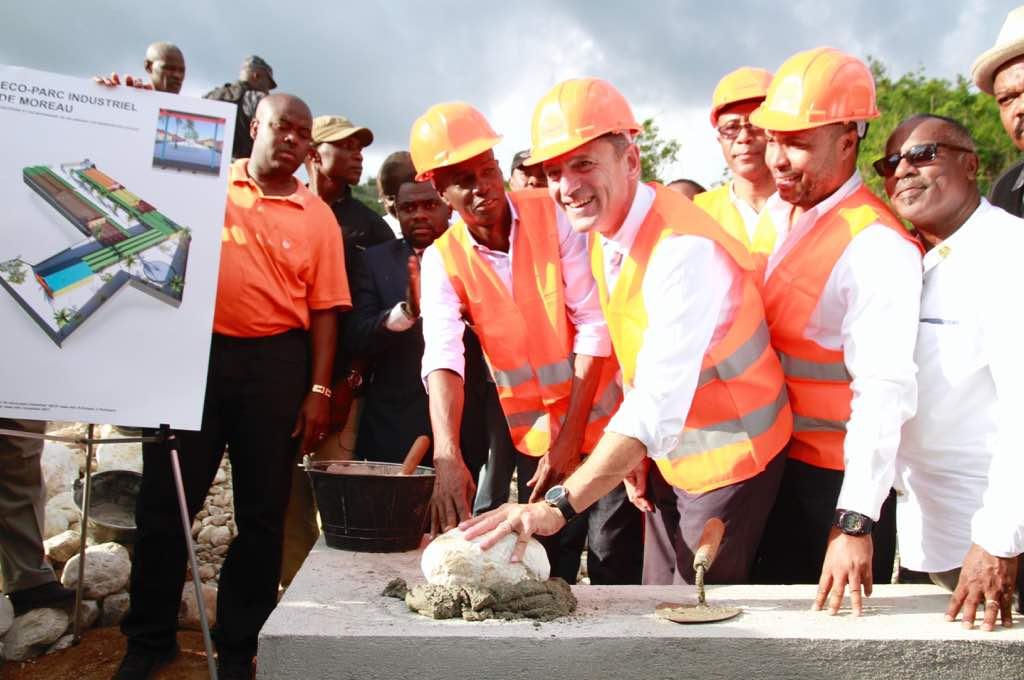 Jovenel Moïse a posé la première pierre d'un nouveau Parc industriel à Moreau/Camp-Perrin 32