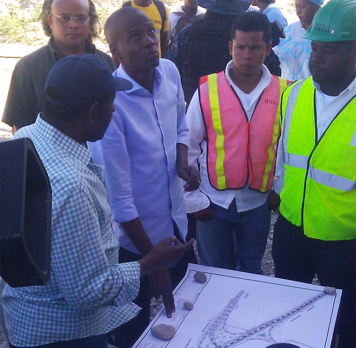 Le Président Jovenel Moise visite le viaduc de Bizoton 26