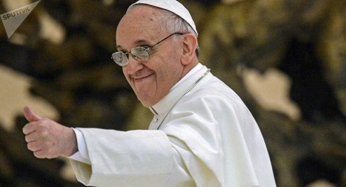 Oignon est le nouveau Dieu proclamé par le Pape François 28