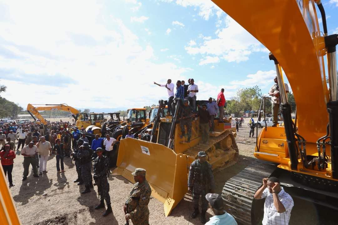 Distribution de matériels à Hinche dans le cadre de la Caravane du Changement 26