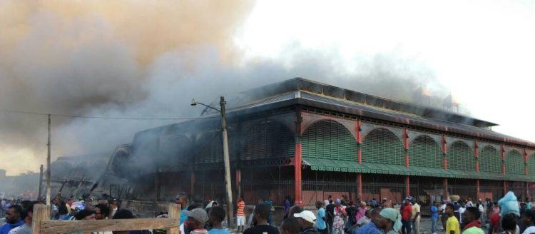 Le «Marché En Fer» dévasté par un violent incendie, les commerçants plongent dans la désolation 26