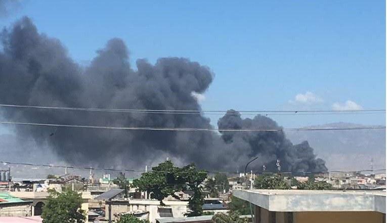 Incendie au Marchédu Port : le gouvernement est encore dans les nuages 28