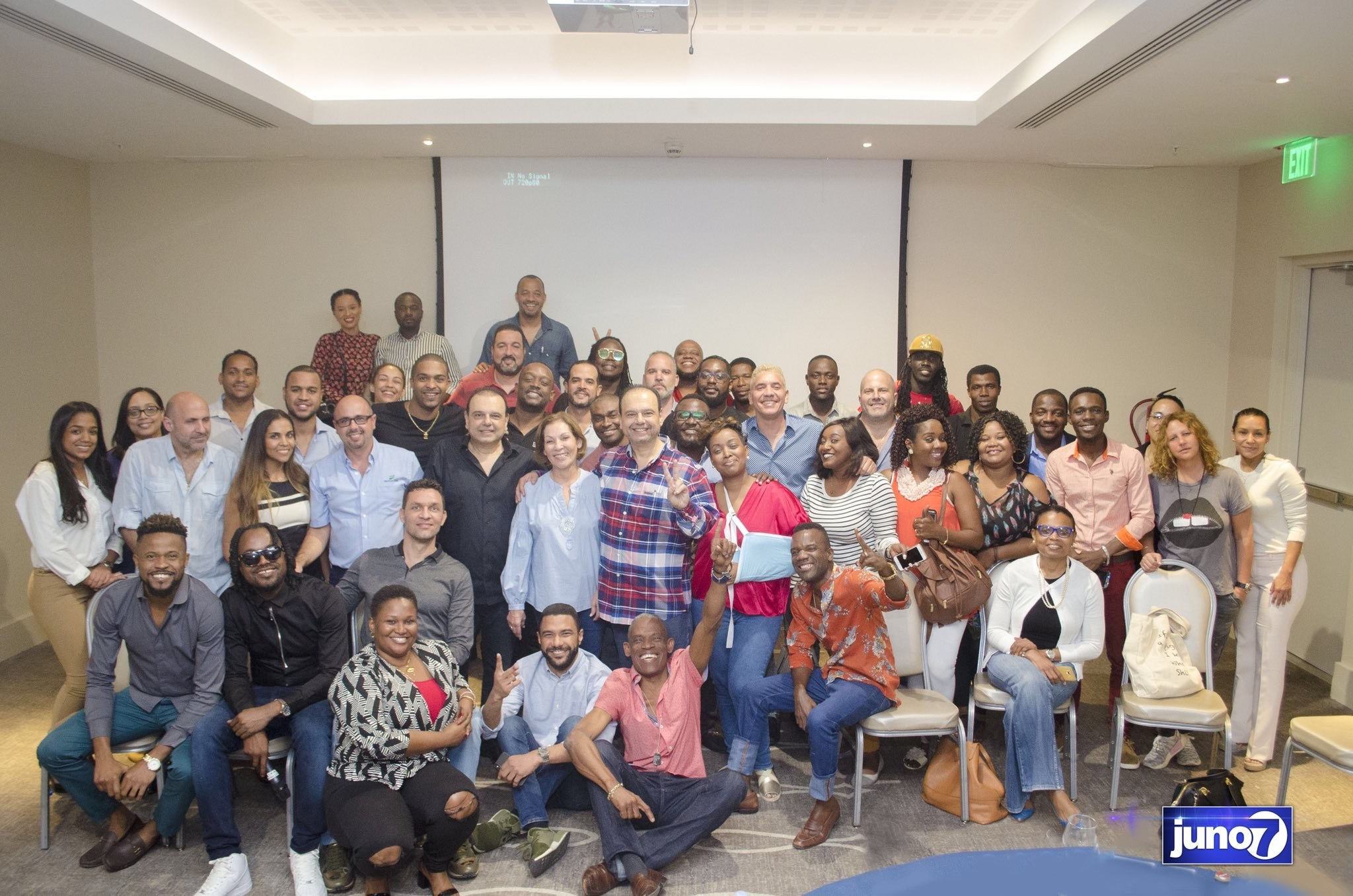 Les artistes et entrepreneurs du secteur privé, unis pour un projet d'hôpital 27