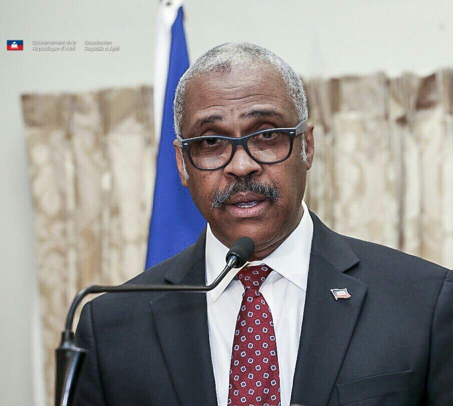 Remaniement ministériel: Jacques Guy Lafontant  remplace cinq de ses ministres. 27