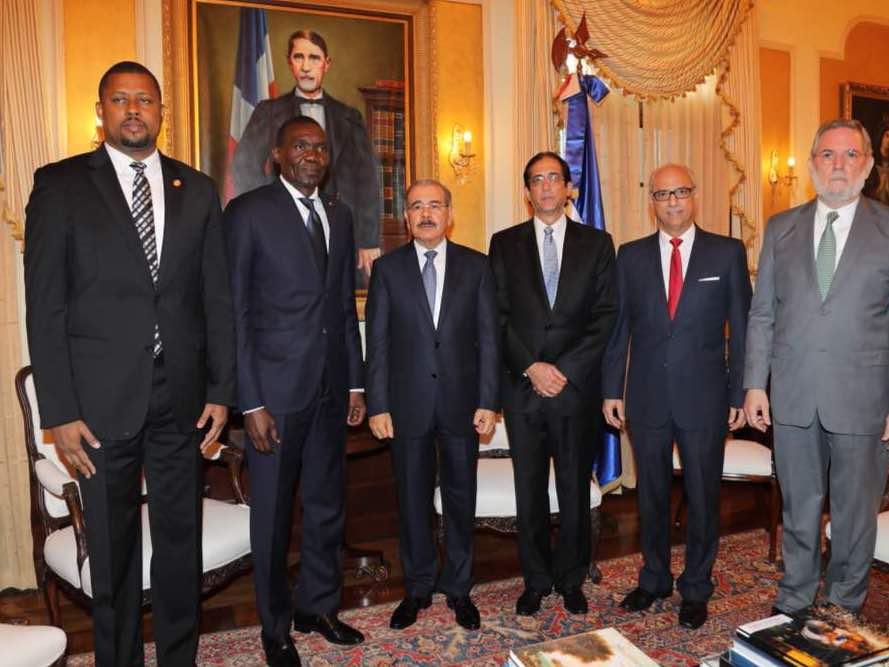 Les premières retombées de la rencontre de travail entre le président du Sénat, Joseph Lambert et le président dominicain, Danilo Medina le 2 février dernier. 27