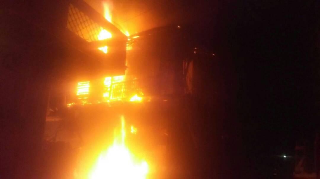 Urgent: Un important incendie a detruit un bâtiment au cap- haïtien. 27
