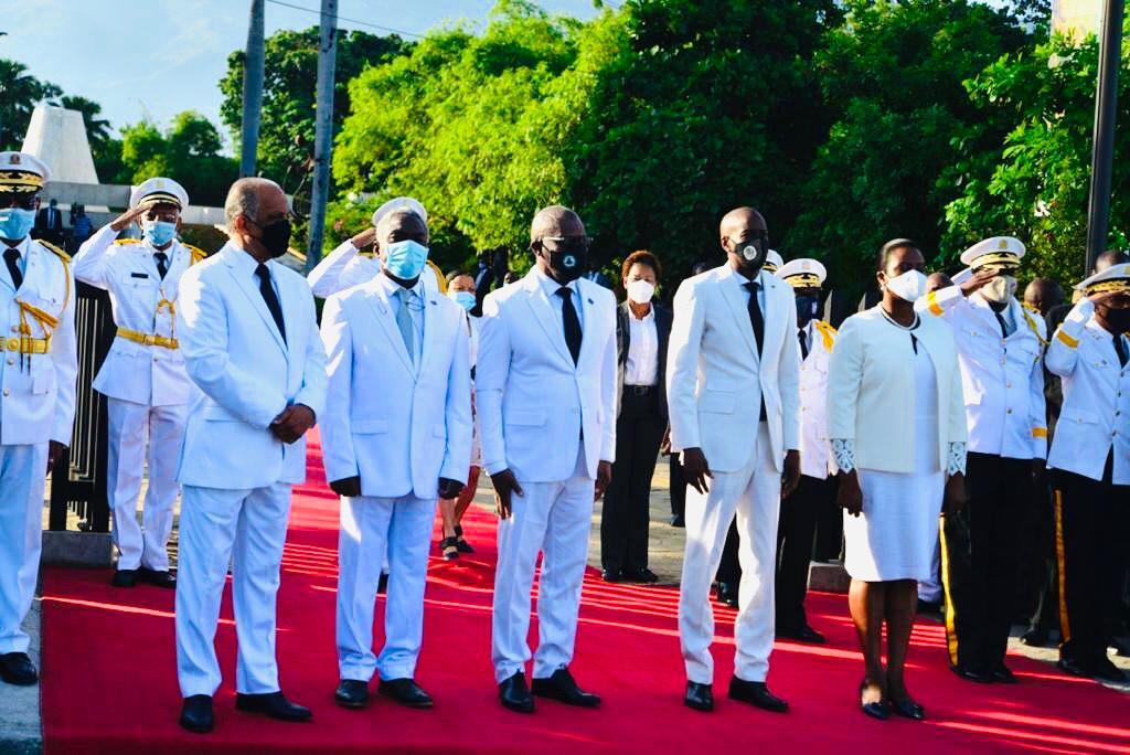Offrande florale du président Jovenel Moïse au MUPANAH en hommage au père fondateur de la nation