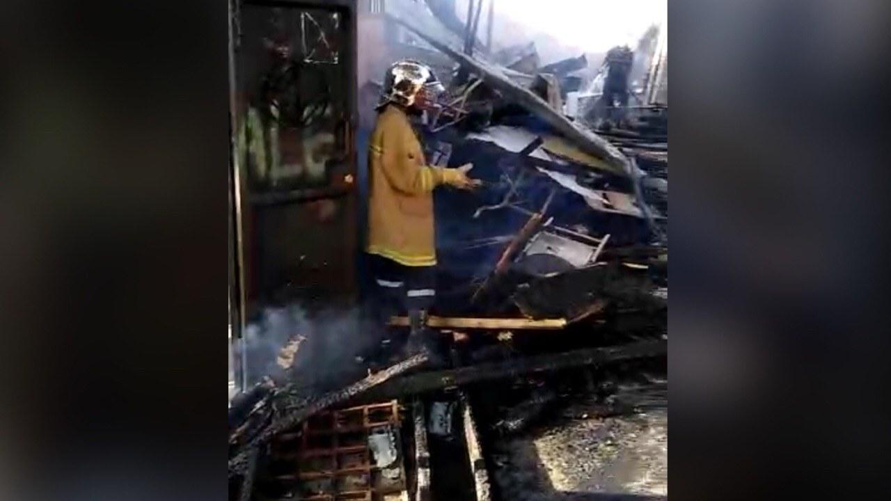 La bibliothèque de l'ENS quasiment détruite dans un incendie