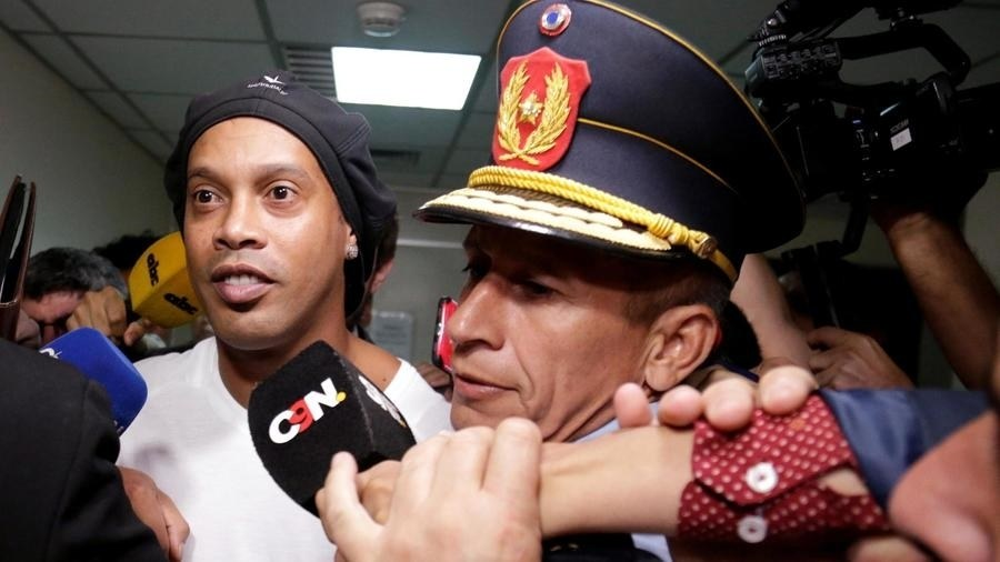 Arrestation de Ronaldinho: Le footballer placé en détention au Paraguay
