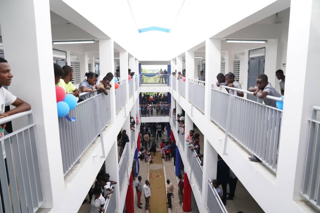 Joseph Jouthe inaugure 12 écoles à l'occasion de la réouverture des classes
