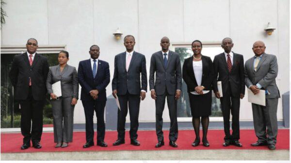 Investiture du comité consultatif indépendant pour l'élaboration du projet de la nouvelle Constitution