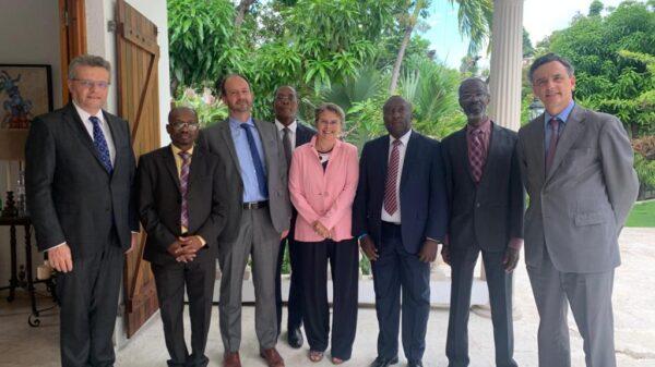 Des ambassadeurs de l'Union Européenne en Haïti rencontrent des juges de la Cour des Comptes