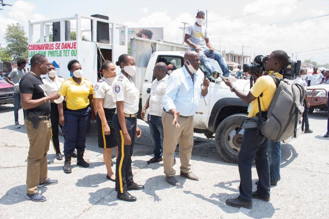 Covid-19 Haïti : des policiers dans les rues pour sensibiliser la population