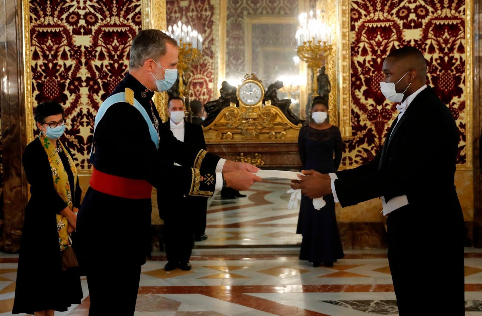 Remise des lettres de créance des ambassadeurs Augustin et Saintil