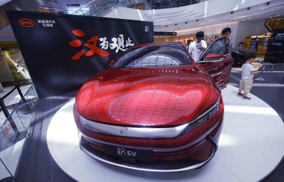 Les voitures électriques chinoises vont conquérir le monde
