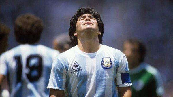 Flach: Maradona mouri!