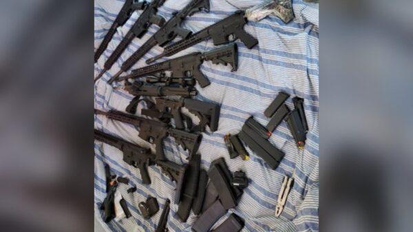 Huit fusils, trois pistolets saisis dans un conteneur sous scellé au port Lafito