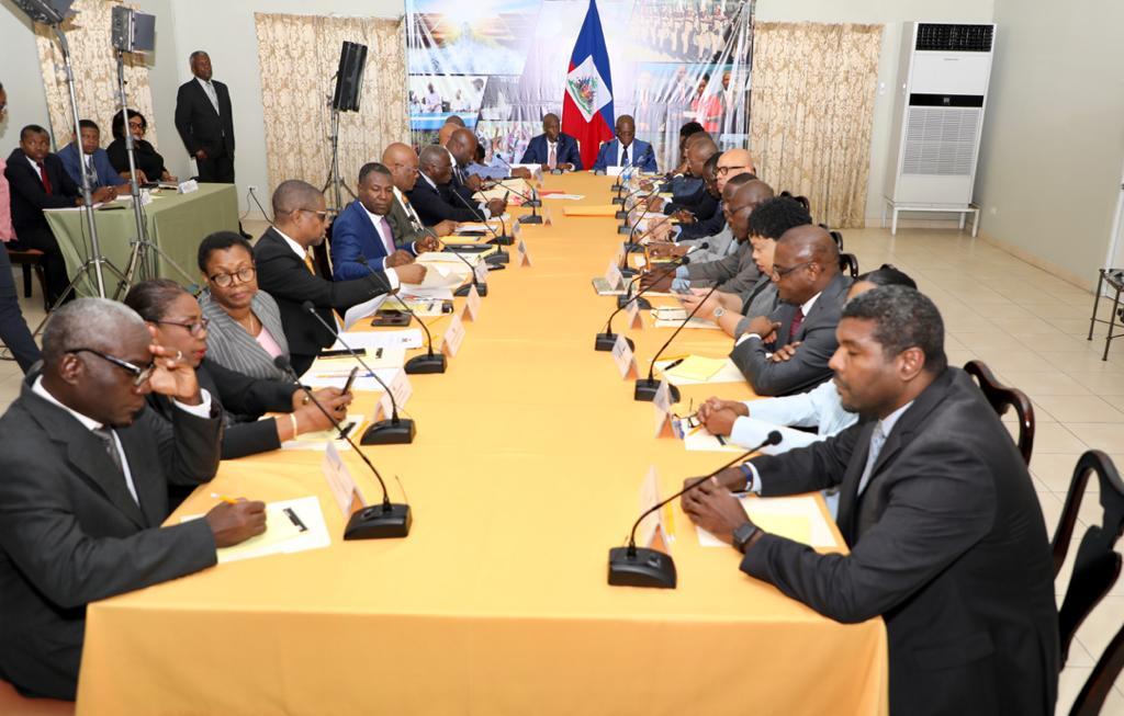 En conseil des ministres, Jovenel Moïse instruit le CSPP de rétablir la sécurité