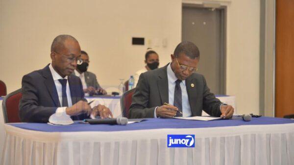 Trois protocoles d'accord signés entre le MEF et la BRH sur la gouvernance économique et le crédit pour les PME
