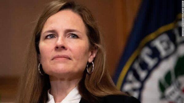 Le Sénat américain confirme la nomination d'Amy Coney Barrett à la Cour suprême