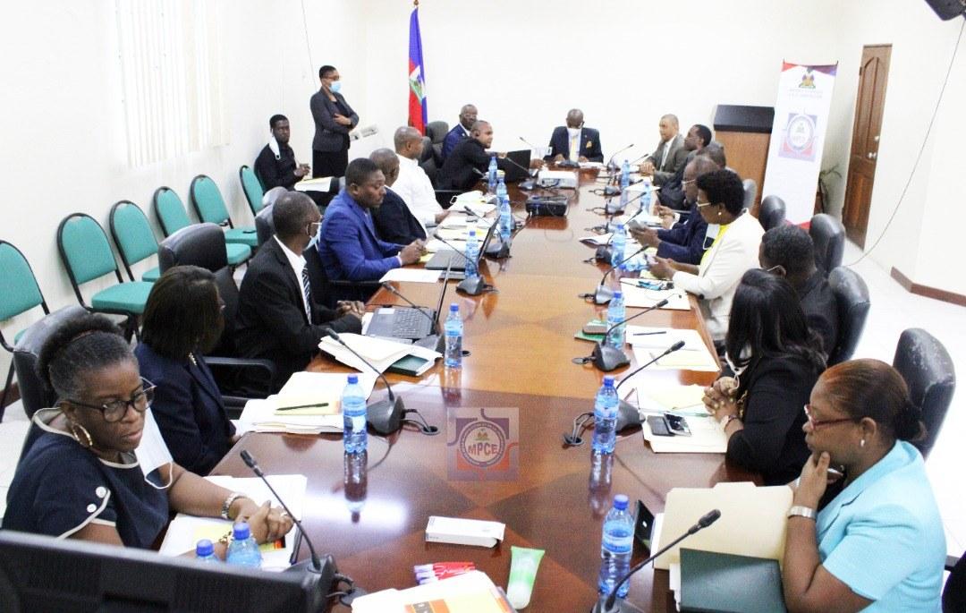Une formation sur le droit et la déontologie de la fonction publique au profit des cadres du MPCE