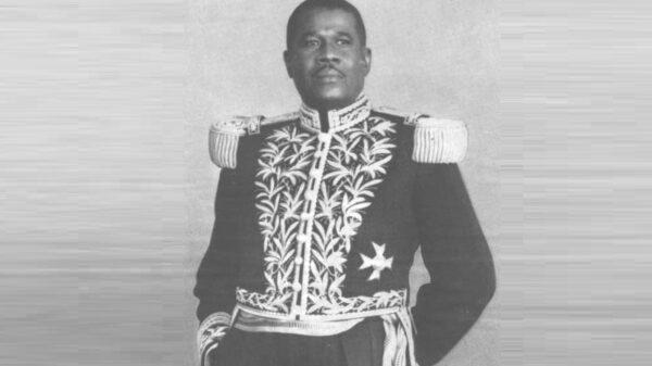 12 décembre 1956: démission du président Paul Eugène Magloire