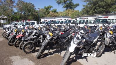 Remise d'une trentaine de véhicules à la PNH par le président