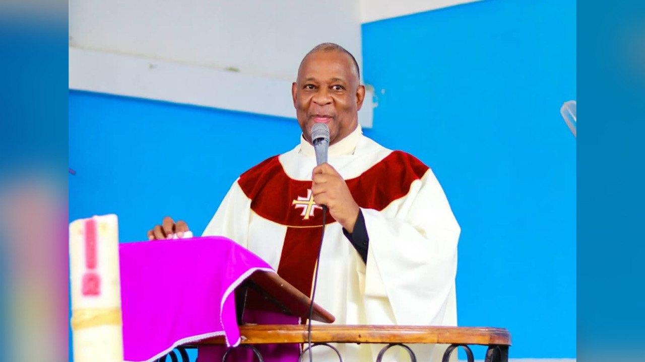 Insécurité, crise politique : le Père Jean-Miguel Auguste livre ses opinions sur la conjoncture