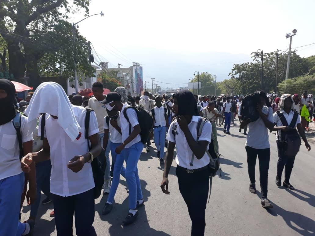 Kidnapping d'un cadre de Coeurs-Unis: des élèves regagnent les rues.