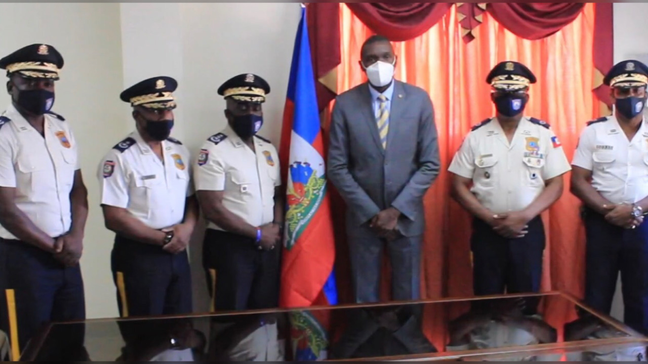 Le président du sénat rencontre le DG de la PNH et des diplomates accrédités en Haïti