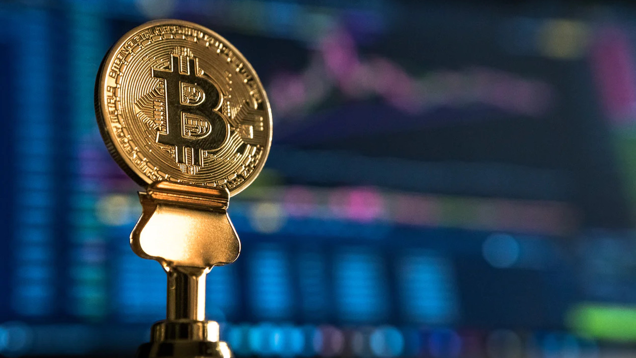 Le cours du Bitcoin s'envole et s'échange contre 40 000 dollars