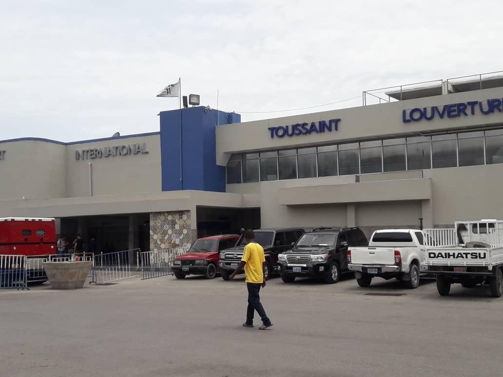 Ouverture officielle de l'aéroport: le gouvernement s'entend sur la date du 30 juin