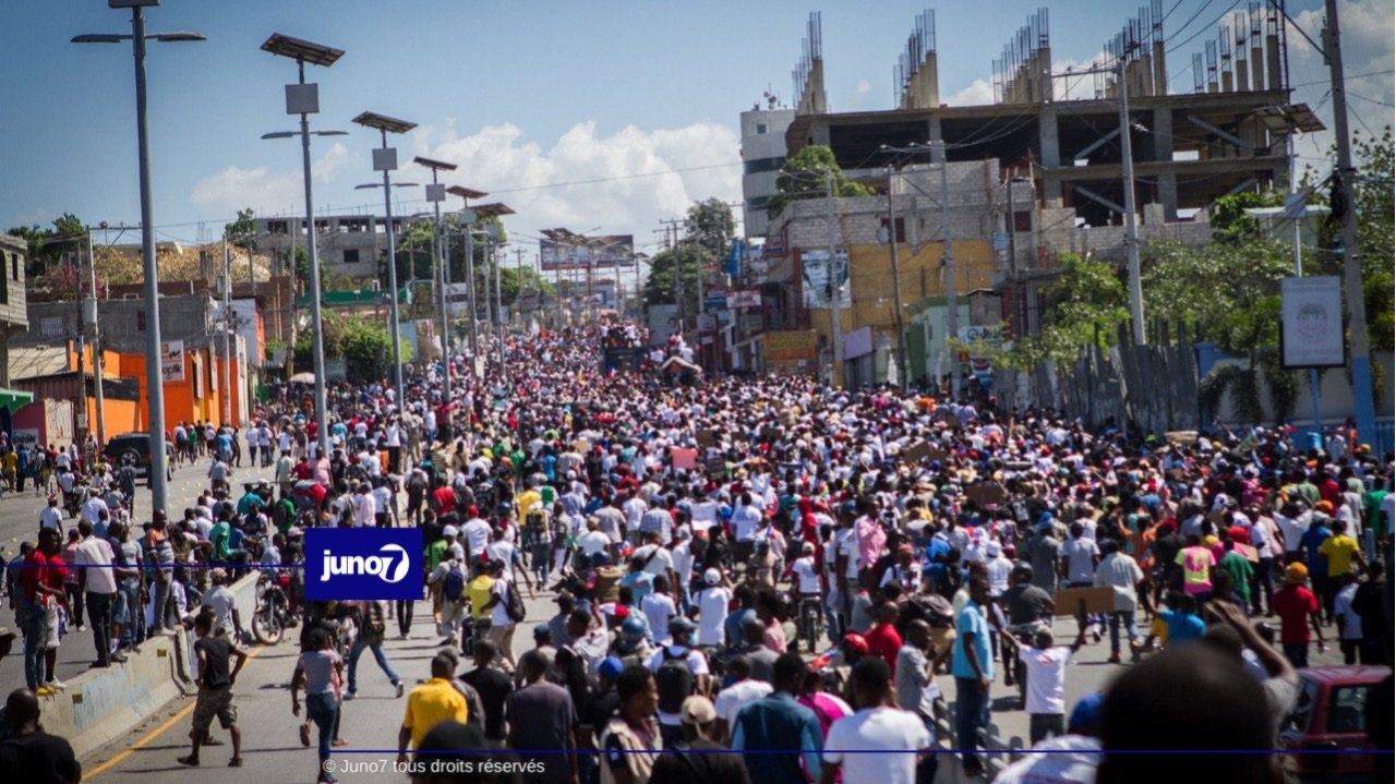Des milliers de personnes ont marché à Port-au-Prince pour dénoncer la dictature