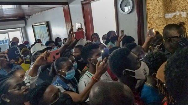 Les étudiants haïtiens à Santiago continuent d'exiger la régularisation de leur statut