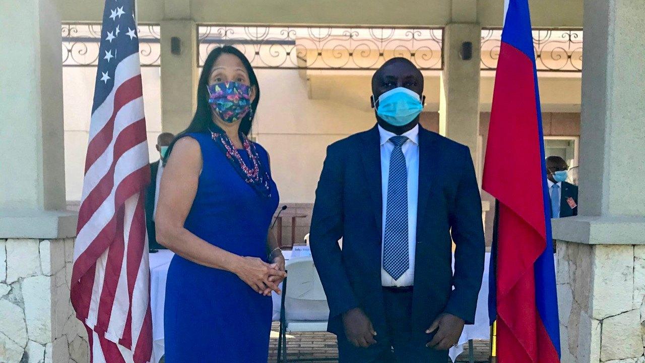 Le président de la CSCCA, Rogavil Boisguené rencontre l'ambassadeur Michele Sison
