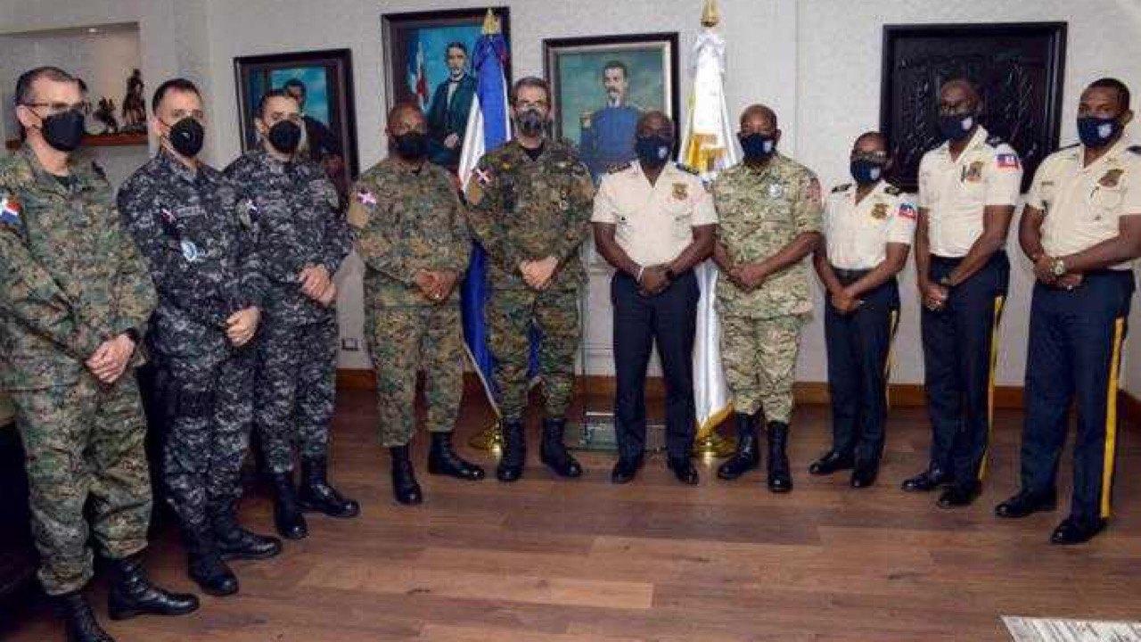 La PNH et le ministère de la défense dominicaine s'entendent sur la coopération frontalière