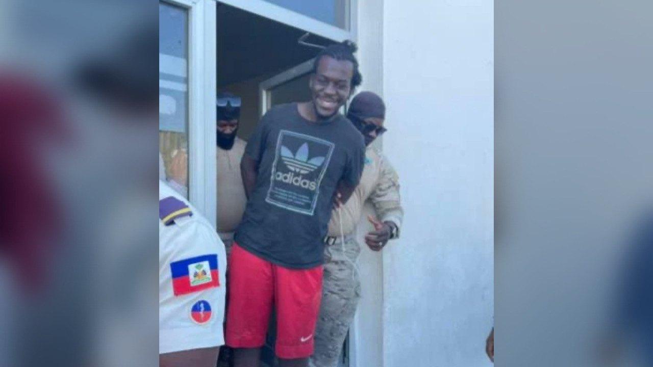 Sainyl James, un présumé criminel recherché par la PNH,arrêté à Dajabón
