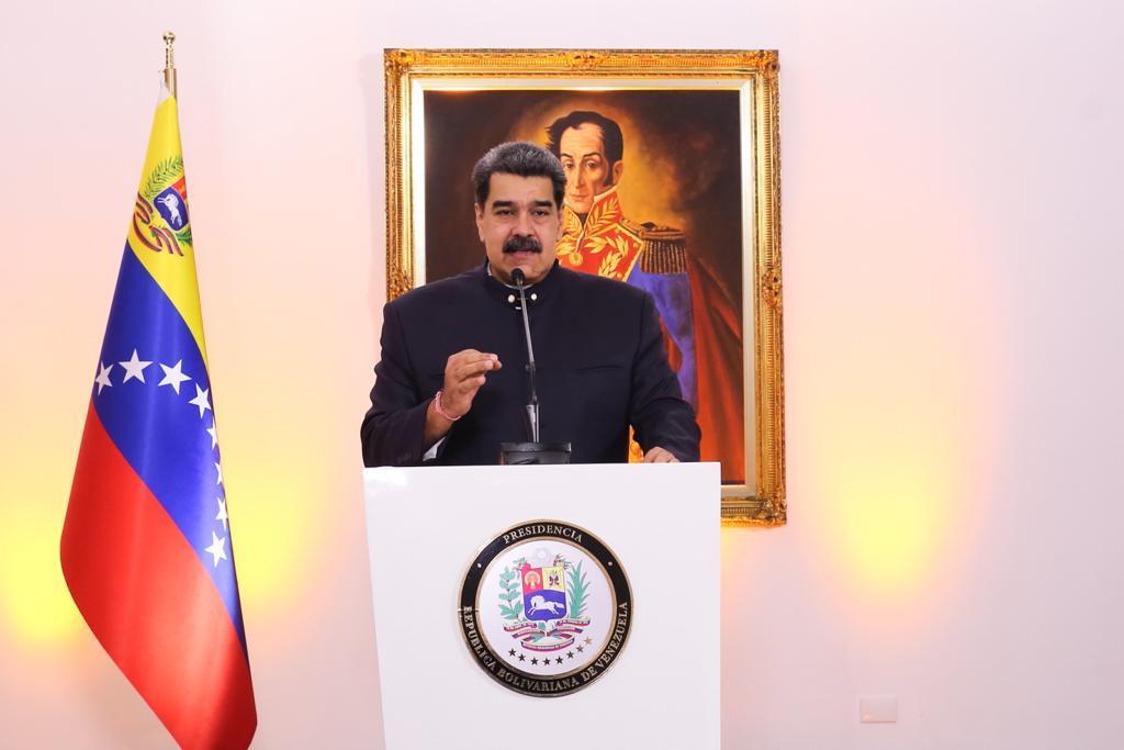 Pétrole contre vaccin: Nicolás Maduro veut payer l'immunité de sa population en or noir