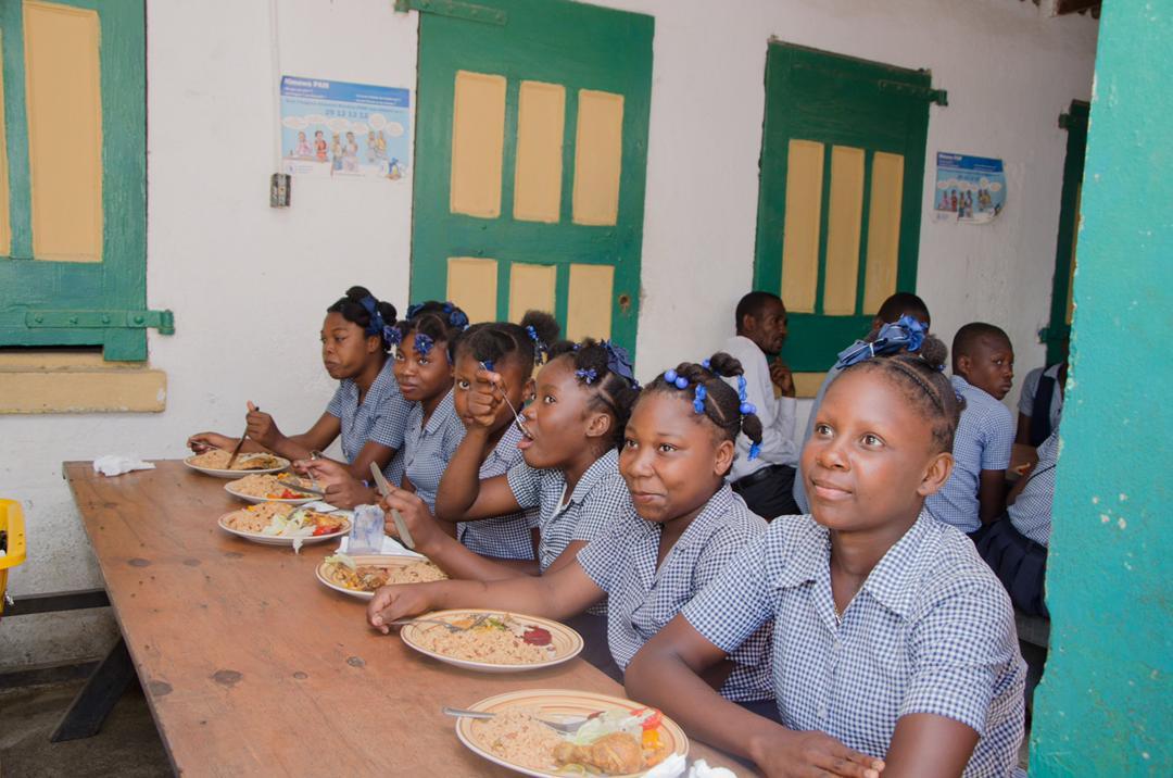 Lancement officiel des opérations d'approvisionnement des cantines scolaires dans le Nord-Ouest
