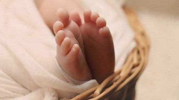 """Sante: Yon bebe fèt ak 3 """"koulout"""" nan peyi Irak"""