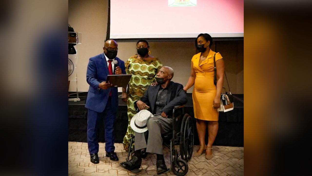 L'ambassade d'Haiti en RD commémore le bicolore et rend hommage au peintre Cédon
