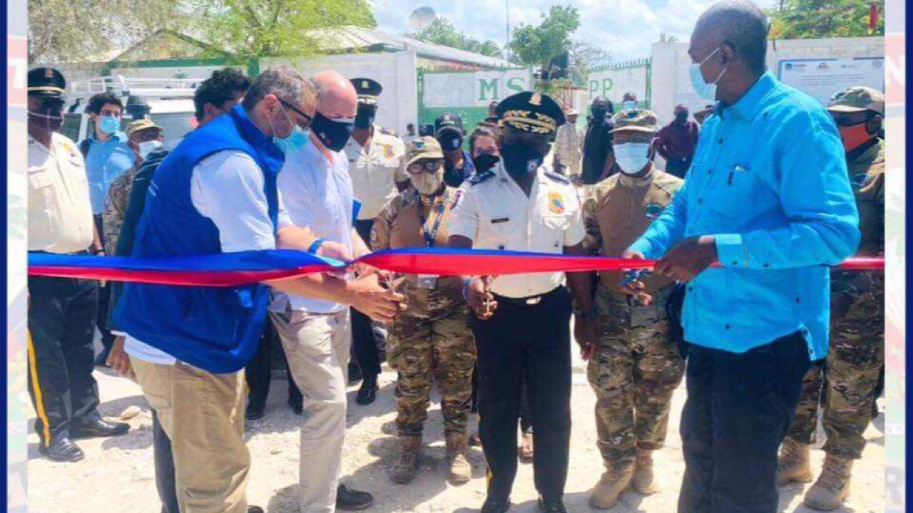 Inauguration à Anse-à-Pitre d'une nouvelle base de la police frontalière