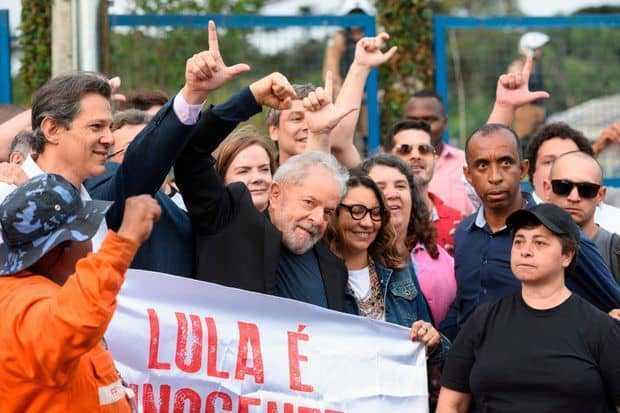 Brésil: selon un sondage, Lula remporterait aisément l'élection présidentielle de 2022