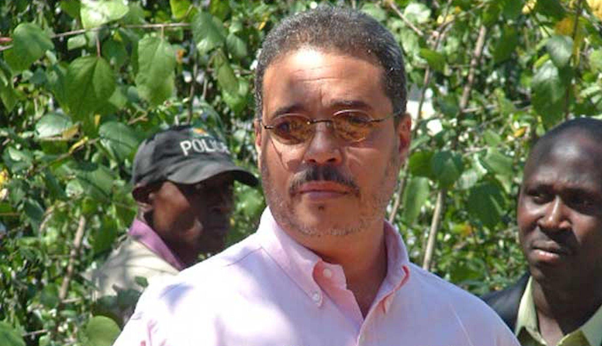27 Mai 2008: annonce officielle de la désignation de Robert Manuel au poste de premier ministre