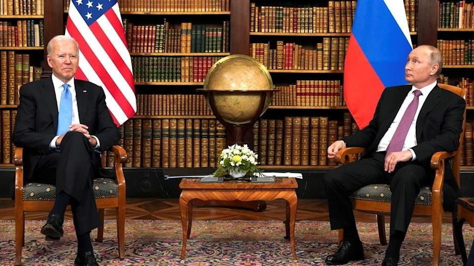 Premier sommet entre Poutine et Biden, les deux chefs d'État en sortent satisfaits